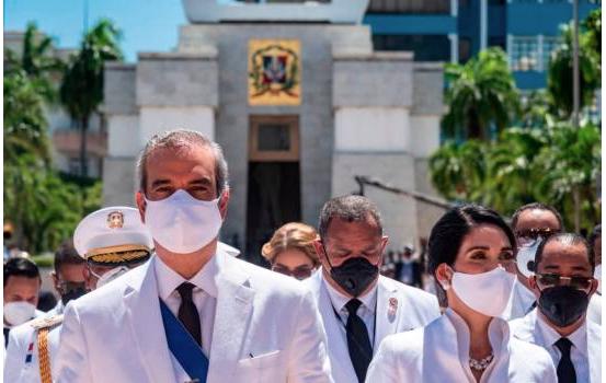Presidente Luis Abinader ordena liquidación de la CDEEE