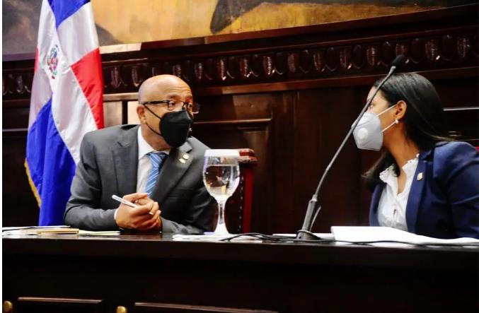 Alfredo Pacheco aclara tres causales aborto estarán en una ley separada