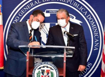 Eligio Jáquez toma posesión como cónsul general de República Dominicana en NY