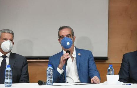 Abinader destituye a Fello Subervi y Geraldino González como miembros del Consejo de EGEHID