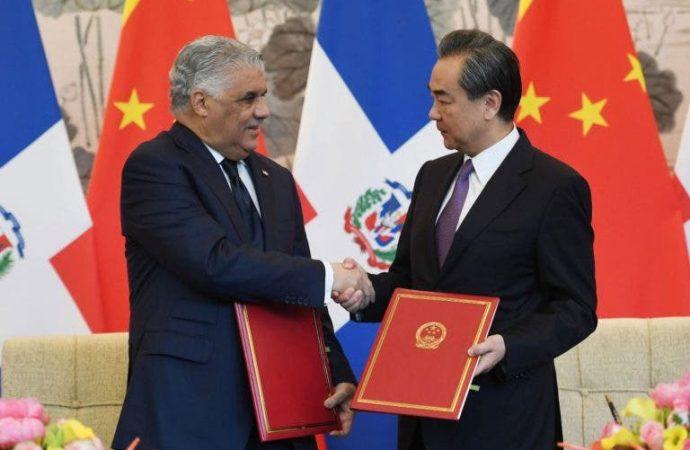 Estados Unidos «recela» de relaciones dominicanas con China