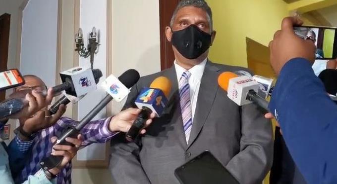 """Interior y Policía tomará acciones """"drásticas"""" contra establecimientos que no respeten toque de queda"""