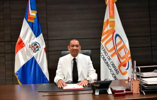 Deligne Ascención solicita a Cámara de Cuentas realice una auditoría en el Ministerio de Obras Públicas