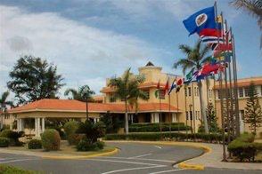 Presidente Abinader canceló a 20 embajadores