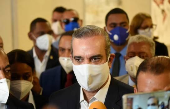 Presidente pide a diputados no ser sello gomígrafo del Poder Ejecutivo