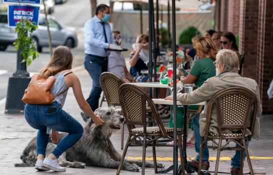 Los restaurantes de Nueva York reclaman ayudas al desempleo para sobrevivir