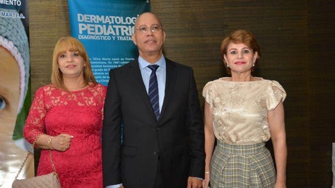 Una hermana de Danilo Medina cobra RD$326 mil en FONPER y la otra recibió RD$66 millones para su fundación