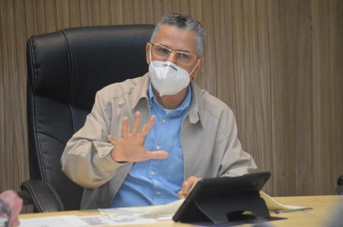 """Manuel Jiménez ante posible inauguración central de autobuses: """"no será una parada"""""""