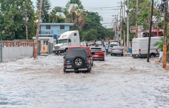 COE pone todo el país en alerta por paso de tormenta Laura