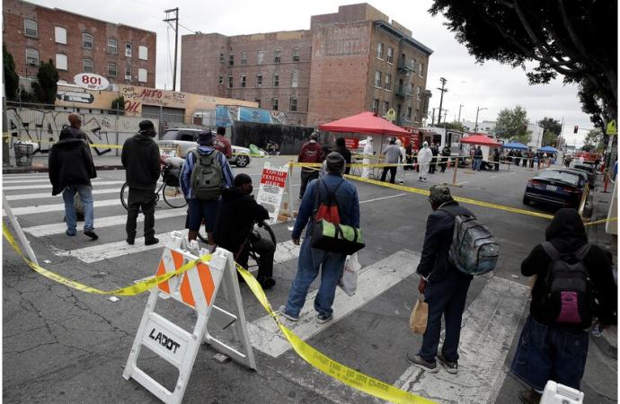 Los Ángeles suspendería a 15,000 trabajadores tras declararse en emergencia fiscal