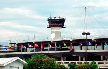 Realizarán pruebas aleatorias para detectar COVID-19 en los aeropuertos