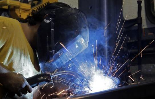 Se desacelera la producción industrial de Estados Unidos
