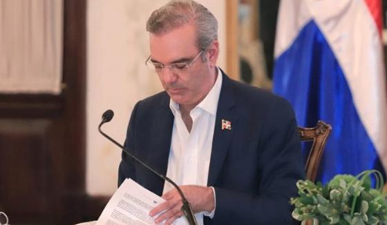 """Gobierno pide suprimir la palabra """"licenciado"""" en comunicaciones enviadas a Luis Abinader"""