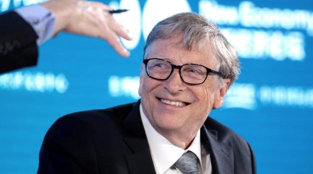 Bill Gates afirma prohibición de viajar empeoró situación con el COVID en EE.UU. a principios de año