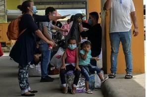 Virólogo alemán advierte que la pandemia no ha hecho más que empezar