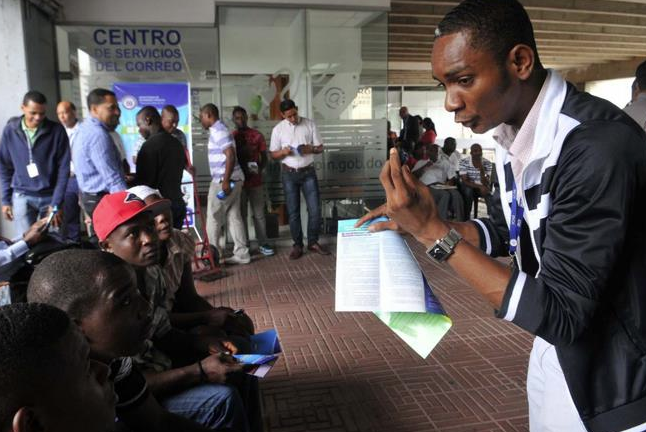 Abinader pide al TC no admitir impugnación a decreto de Danilo que concedió naturalización a 750 personas