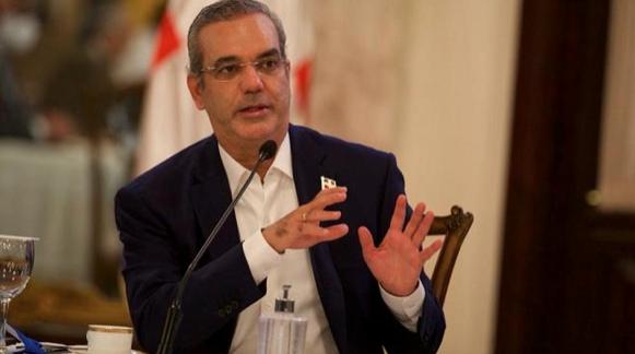 Abinader asegura funcionarios que no declararon bienes a tiempo serán suspendidos