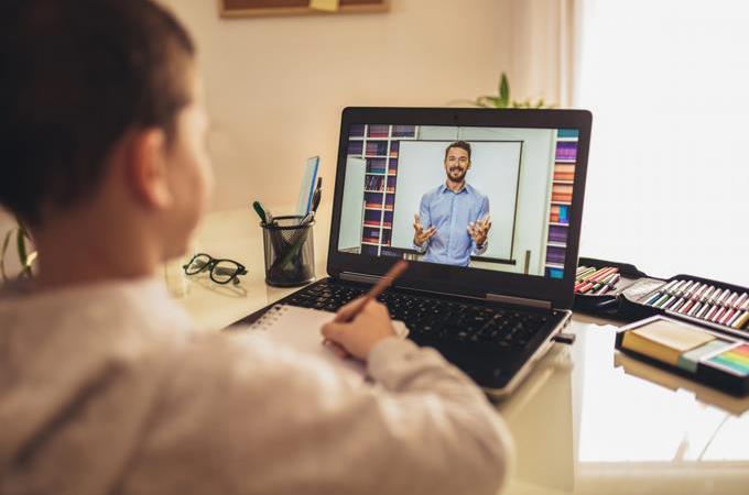 Educación asegura año escolar será virtual para estudiantes que a la fecha dispongan de conectividad