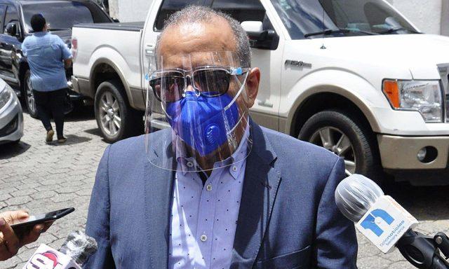 Ministro Salud cree a mediados del 2021 el país estará libre del covid-19