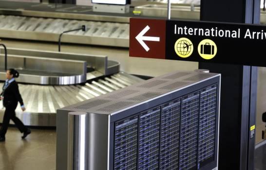 EEUU suspenderá chequeo de salud para algunos viajeros