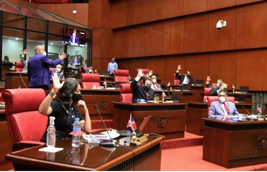 Senado citó a Leonardo Faña para que explique situación entre IAD y agricultores