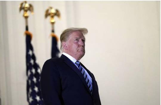 """Tras miles de muertos por COVID, ahora Trump """"lo entiende"""", pero no"""