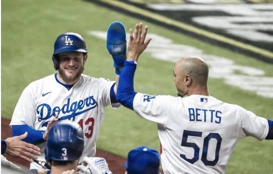 Dodgers se lleven el primer juego ante los Padres