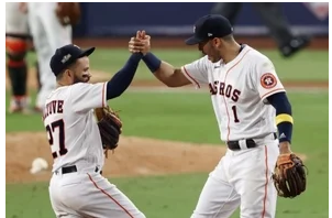 José Altuve, con el bate, y Urías, desde el montículo, dan vida a Astros y Dodgers