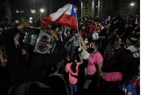Chile sepulta la Constitución de Pinochet en un plebiscito nacido en la calle