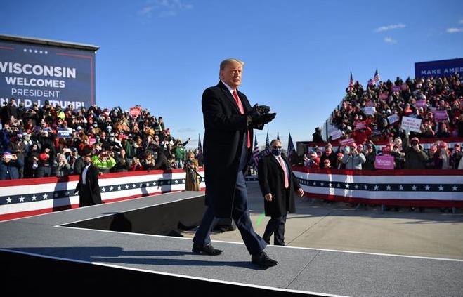 Trump apura el paso para evitar derrota aplastante