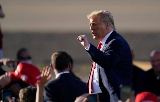 Trump plantea acabar la lotería de visados H-1B y priorizar a mejor pagados
