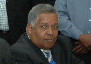 Abinader destituye a Melton Pineda como cónsul en Brasil