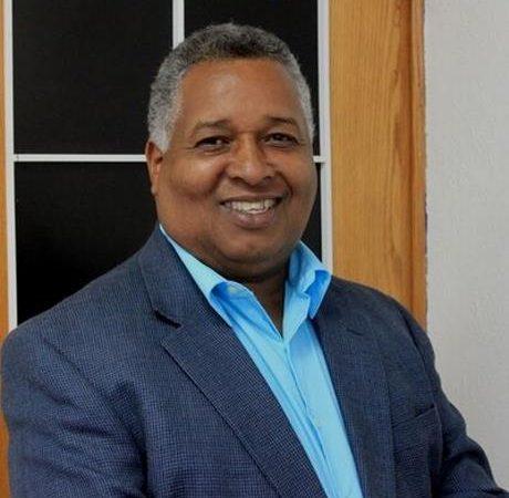 Melton Pineda reacciona ante críticas tras nombrarle cuatro seguridad